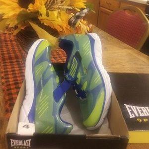 Boys sport shoe